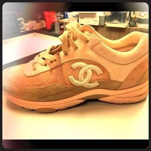 CHANEL SNEAKERS SIZE 42
